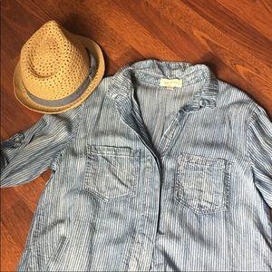 Cloth & Stone chambray button down shirt XS
